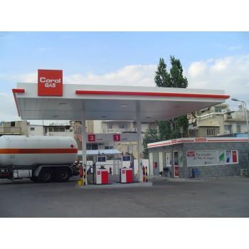 Στεγαστρα - Δικόλωνο στέγαστρο διπλής οροφής και μεταλλικό κτίριο σε πρατηριο βενζινης