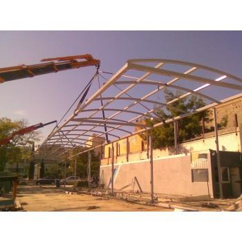 Τοποθέτηση οροφής κτιρίου
